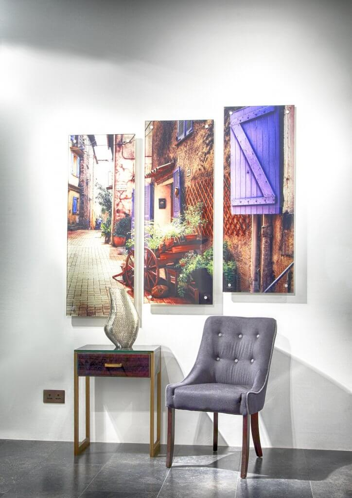 Showroom 4 - Wall art